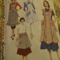 Vintage aprons.... Simplicity 3544